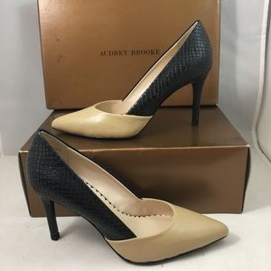 Audrey Brooke Simone Two Tone Pumps NWT Size 6